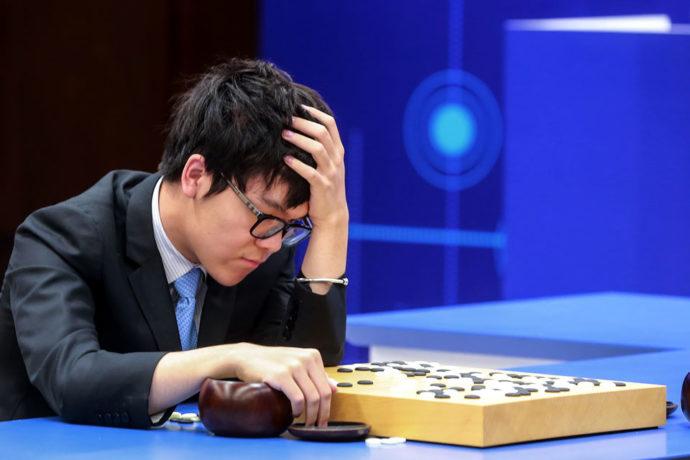 Chine-AlphaGo-l-ordinateur-prodige-au-jeu-de-go-prend-sa-retraite